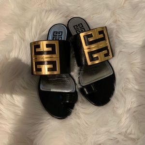 Givenchy flat 4G logo leather sandals